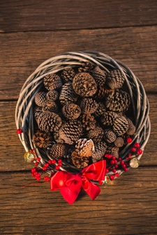 wicker-basket-with-pine-cones